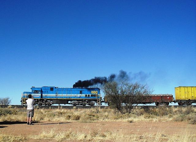train-176062_640